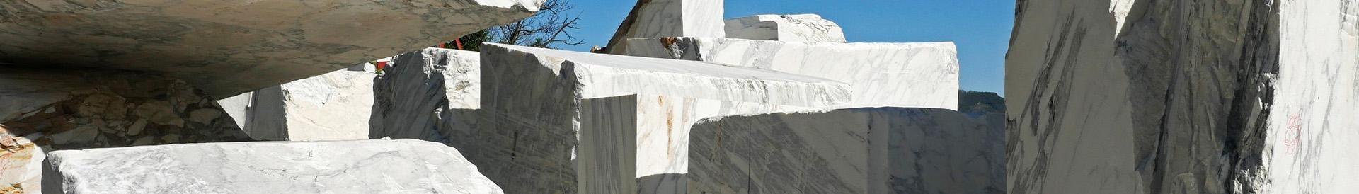 Biało szare skały